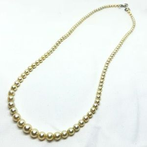 🆕Vintage Graduated Glass Pearl Necklace
